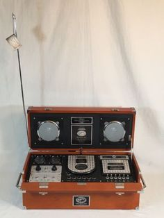 SPIRIT OF ST LOUIS STEREO CD RADIO MK II BOOM BOX CASSETTE PLAYER AM/FM RETRO
