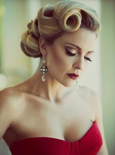 Makeup matching to a red wedding dress :: one1lady.com :: #makeup #eyes #eyemakeup