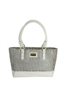 Minimal Calvin Klein çanta. Bags #Bags Bags and Purses #BagsandPurses Handbags #Handbags handbags 2013 #handbags2013