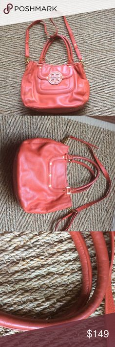 AMANDA LEATHER AUTHENTIC TORY BURCH POPPY AMANDA LEATHER AUTHENTIC TORY BURCH POPPY . Comes w long strap. Large size. Logo w gold hardware. Comes in original Tory DUSTBAG. No trade, low balls blocked. Thx Tory Burch Bags