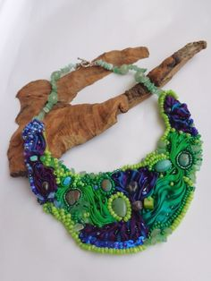 "Colier  ,Freamat de codru"" "" Concurs Vara-Bijuterie (250 LEI la carmenn.breslo.ro) Turquoise Necklace, Crochet Necklace, Beads, Fashion, Accessories, Jewerly, Beading, Moda, Fashion Styles"