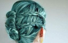 Mermaid blue-green hair --- I've always wanted my hair to be THIS EXACT COLOR. Gahhhhhh