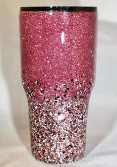 Two Toned Glittered Ombre Stainless Steel Tumbler- Customize -Glitter Tumbler – Personalize – with Straw – Yeti Glittered – two tone custom Zwei getönten glitzernden Ombre Edelstahl Tumbler anpassen Diy Tumblers, Custom Tumblers, Glitter Tumblers, Personalized Tumblers, Glitter Cups, Pink Glitter, Glitter Lipstick, Glitter Paint, Glitter Makeup