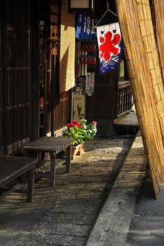 Midafternoon sunlight in late summer, Nagiso-machi, Nagano, Japan Japanese Streets, Japanese House, Japanese Style, Yamaguchi, Beautiful Places In Japan, Nagano Japan, Hokusai, Art Nouveau, Japan Street