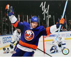 Matt Martin New York Islanders Signed 8x10 Photo