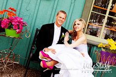 #wedding pictures #romantics #wedding poses #wedding couple #bridal pictures #Michigan wedding #Mike Staff Productions #wedding photography #Rochester wedding http://www.mikestaff.com/services/photography