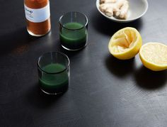 Yes, this ginger-spiked chlorophyll shot is seriously spicy, but it's also full of immunity-boosting ingredients and helps cleanse your body. We like to juice a bunch of ginger at the beginning of the week, but … Body Detox Drinks, Body Detox Cleanse, Yummy Drinks, Healthy Drinks, Healthy Recipes, Healthy Food, Juice Drinks, Bar Drinks, Wellness Shots
