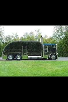 World's biggest teardrop trailer? ____;o)