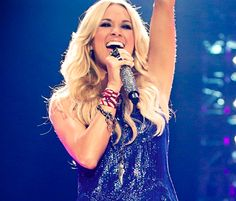 Carrie Underwood Debuts 'Sunday Night Football' Theme Song