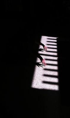 This image is so clever. The photographer saw the shadow and realized that it looked like a piano. The hands that are coming out of the dark look like they are playing the piano, even though it is just a shadow. Conceptual Photography, Creative Photography, Art Photography, Grunge Photography, Pattern Photography, Artistic Photography, Photography Business, Street Photography, Shadow Play
