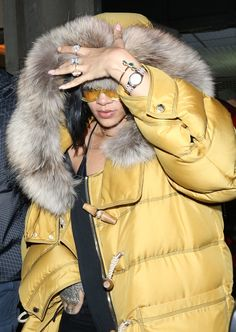 "Pin for Later: Rihanna and Drake Celebrate Their ""Work"" Video With a Night Out in London Rihanna Et Drake, Rihanna Mode, Rihanna Photos, Rihanna Riri, Rihanna Style, Rihanna Baby, Rihanna Fashion, Rihanna Outfits, Swimsuits"