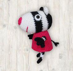 Crochet Buttons, Crochet Hooks, Peppa Pig, Crochet Planter Cover, Rebecca Rabbit, Pig Character, Crochet Toddler, Crochet Patterns Amigurumi, Double Knitting