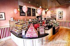 Cutest Cupcakes Ever! Bakery Decor, Bakery Interior, Bakery Menu, Bakery Display, Bakery Design, Bakery Cafe, Bakery Ideas, Book Cupcakes, Coffee Cupcakes