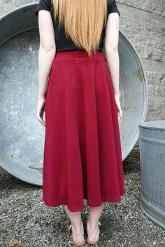 Red pocket skirt back