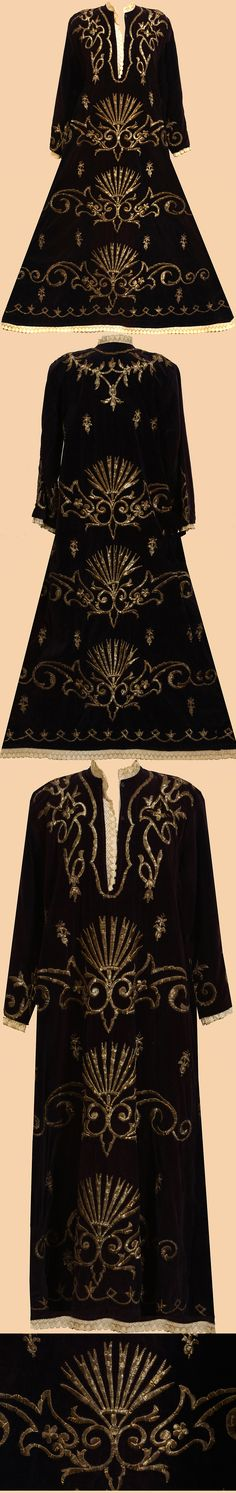 Antique Turkish Costumes - Dark Blue women's caftan with Gold hand embroidery