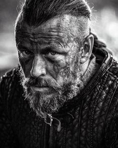 Peter Franzén as King Harold Finehair | Vikings TV show