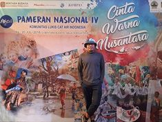 Attending the 4th National Exhibition of Indonesia Watercolor Community (KOLCAI) Salatiga Central Java as a jury tonight.  I'm very glad that I had the opportunity to be involved in this art community from the beginning. Now it's thriving with hundreds of active members several regional chapters added every year each with their own local events and programs. Most importantly the submitted artworks for this bi-annual exhibition are getting better each year both in quantity and quality.