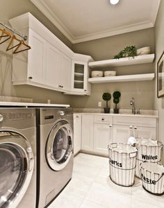 The basement laundry room doesn't have to lack style. These all basement laundry room ideas 2019 offer easy design for a better laundry room. Home Organization, House Design, Laundry In Bathroom, Room Design, Laundry Mud Room, Room Inspiration, Sweet Home, Laundry, Basement Laundry