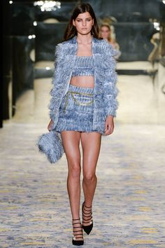 See all the Collection photos from Alice Mccall Spring/Summer 2018 Resort now on British Vogue Couture Fashion, Paris Fashion, Runway Fashion, Womens Fashion, Ski Fashion, Fashion Spring, Look Fashion, High Fashion, Fashion Show