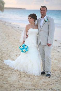 Matt & Laura - London Ontario Destination Wedding Photography - London Ontario Wedding Engagement Photography blog by Maigan Cowen