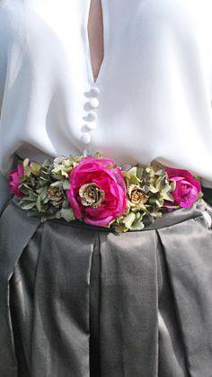 alquiler-cinturón-joya-flores-oro
