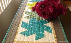 Make a Half Hexie Star Table Runner with Diane from CraftyPod