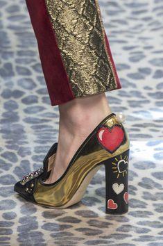Dolce & Gabbana at Milan Fall 2017 (Details)
