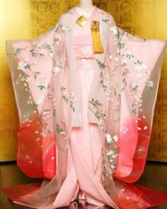 """this is called """"new style of kimono for wedding"""" SERIOUSLY? totally looks like a SLAT. pink no pattern kimono is likely underwear called nagajuban. and what long sleeves kind?"""