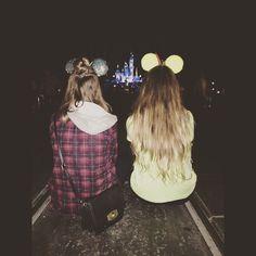 Disneyland best friend photos