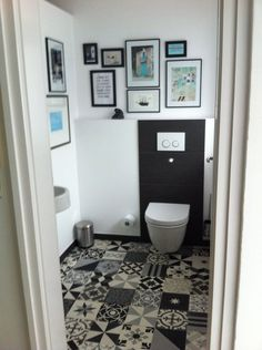 New guest toilet - Bathroom Decor Ideas Guest Toilet, Downstairs Toilet, Modern House Design, Modern Interior Design, Interior Ideas, Wc Design, Clean Kitchen Cabinets, Home Decor Mirrors, Hallway Decorating