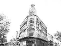 Edificio de ex-Casa Soler. Av. Agraciada y Marcelino Sosa - Montevideo, Uruguay.