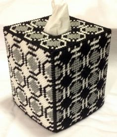Joined Circles Black and White Tissue Box Cover in Plastic Canvas - PATTERN ONLY