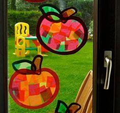 Tonpapier, Transparentpapier, selbstklebende Bücherfolie, Herbstdekoration Kleinwirdgross.wordpress.com - Ein Blog für die Familie, mit Themen von Spieletipps, Bastelideen und Rezepten, über Kindererziehung, bis hin zu mehr Gelassenheit für Eltern Autumn Crafts, Summer Crafts, Holiday Crafts, Diy And Crafts, Arts And Crafts, Paper Crafts, Diy For Kids, Crafts For Kids, Autumn Activities For Kids