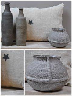 ✭ Vase en papier mâché ✭    On aime les mélanges de matières ! Et vous ?    Ici vase en papier mâché (Nouveauté), coussin en lin ancien, et vase en terre cuite