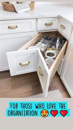 Kitchen Room Design, Home Room Design, Kitchen Cabinet Design, Modern Kitchen Design, Home Decor Kitchen, Interior Design Kitchen, Home Kitchens, Diy Kitchen Ideas, Kitchen Must Haves