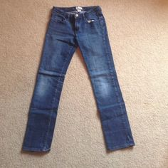 Skinny Medium Wash Jeans (Kids) These jeans are very basic- skinny, medium wash. They have been worn before but are still in great condition. They are a kid's size- age 12 (size 0-2) GAP Bottoms Jeans