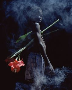 Elvis Viviane Sassen  Date : 2006  Support : Photographie  Dimension : 125 x 100 cm