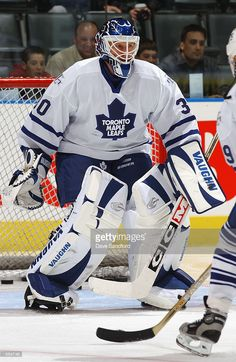 goaltender-tom-barrasso-of-the-toronto-maple-leafs-takes-shots-during-picture-id564748 (667×1024)
