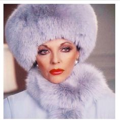 Bow down to Joan Collins Fabulous Furs, Classy And Fabulous, Alexis Carrington, Dame Joan Collins, Lily Collins, Pin Up Retro, Der Denver Clan, She's A Lady, Glamour