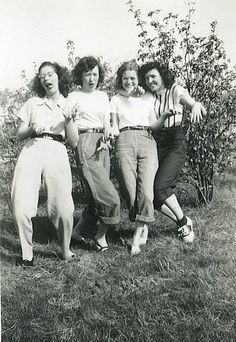 1940s women - this picture makes me think of my grandmother!