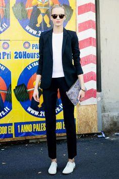 Models off duty @ Milaan Fashion Week White Oxford Shoes, Oxford Shoes Outfit, Oxford Flats, Fashion Moda, Fashion Week, Fashion Outfits, Milan Fashion, Net Fashion, Street Fashion