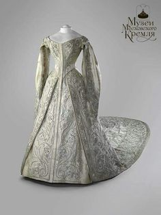 The Coronation Gown of Empress Alexandra Feodorovna of Russia in 1896.A♥W