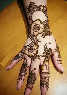 Mehndi henna designs are always searchable by Pakistani women and girls. Women, girls and also kids apply henna on their hands, feet and also on neck to look more gorgeous and traditional. Khafif Mehndi Design, Rose Mehndi Designs, Simple Arabic Mehndi Designs, Mehndi Designs 2018, Stylish Mehndi Designs, Mehndi Design Pictures, Mehndi Designs For Girls, Mehndi Designs For Fingers, Full Hand Mehndi Designs