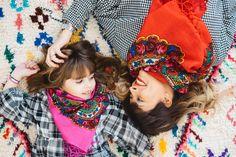 f7110190386 Le Duo Folk est un duo de foulard balte pour la maman et sa fille - Le  Bazar des poupées Russes