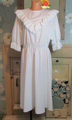 Vtg white Victorian style sissy frilly nightgown nightshirt nightie L/XL R13434