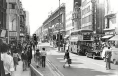 Oxford Street in 1970 vintage everyday: 25 Fascinating Photographs Give a Rare Glimpse of Life in London in the 1970s