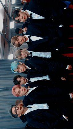 [PIC] 190210 E! news update photo's of BTS at the Grammys V Taehyung, Bts Bangtan Boy, Bts Jimin, Jhope, Foto Bts, Jung Hoseok, Kim Namjoon, Bts Lockscreen, Billboard Music Awards