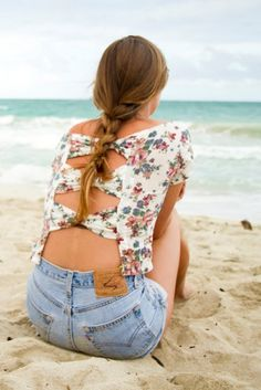 Cute outs on the back #summer #fashion