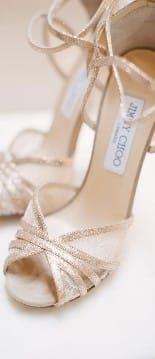 hochzeitsschuhe jimmy choo Ideas for bridal shoes gold jimmy choo high heels Gold Bridal Shoes, Bride Shoes, Bridal Sandals, Gold Sandals, Gold Heels, Stiletto Heels, High Heels, Mode Blog, Pumps