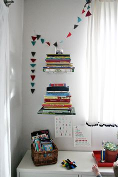 DIY floating invisible bookshelves